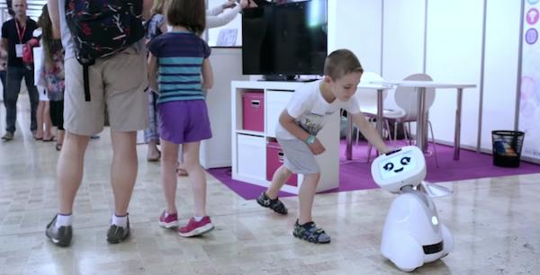 Робот Buddy